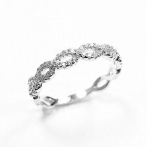 Pierścionek srebrny zsymbolem nieskończoności icyrkoniami r.15